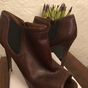 Brown leather Nine West peep toe booties